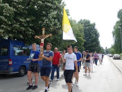 Kardinal Puljić predvodio Svetu misu u Drvaru na 80. obljetnicu ubojstva župnika Nestora i hodočasnika